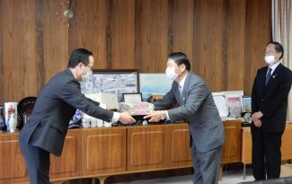 ペーパータオルを富士市へ寄付しました